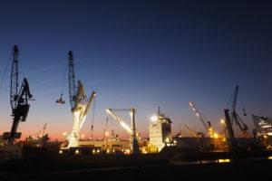 Hamburger Hafen zur Blauen Stunde © Melanie Derks
